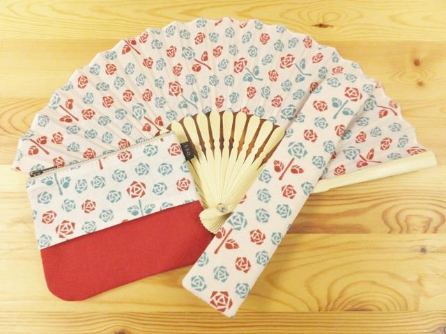 画像1: レトロ小紋の手ぬぐい扇子&ポーチギフトセット お母さんの薔薇庭