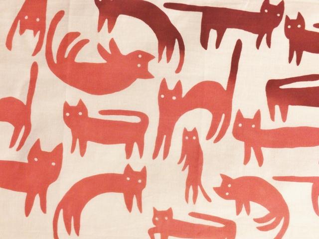 画像1: 【期間限定販売】手ぬぐい ねこネコ猫 臙脂×韓紅