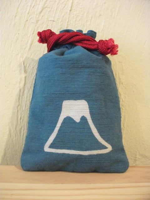 画像1: 守袋 富士山 水色 (1)