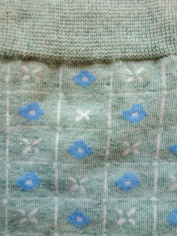 画像2: 星燈社の丸編み靴下 窓辺