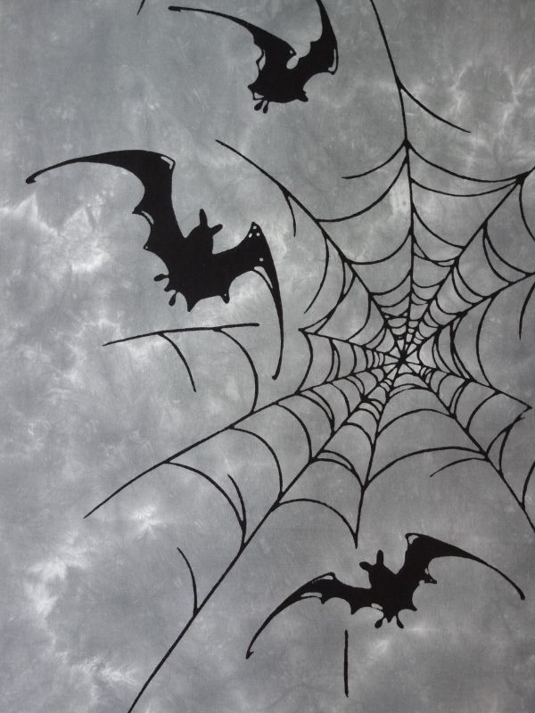画像1: 雲井染手ぬぐい 蝙蝠に蜘蛛の巣 (1)
